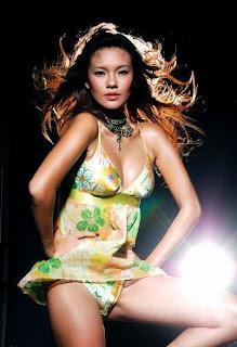 Foto Hot Aline Tumbuhan - Aline Andita Hot Seksi