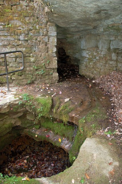 sinking spring dating Abraham lincoln was born on february 12th 1809 in a one room log cabin at sinking spring farm south of hodgenville in  online dating thousands of singles join.