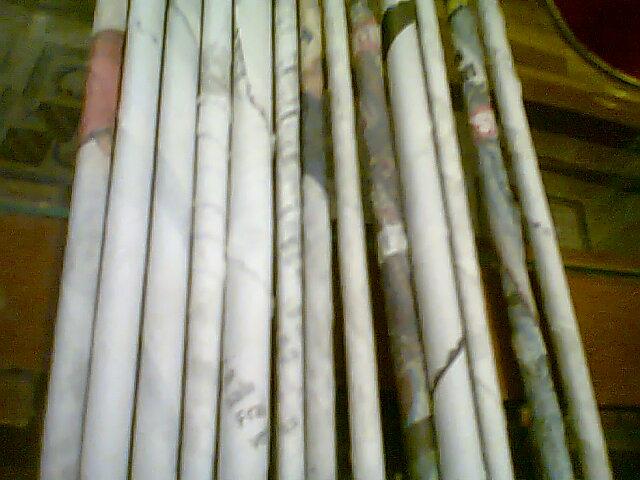 Es lo que hay mis cosas y yo cesta hecha con papel for Papel pintado imitacion periodico