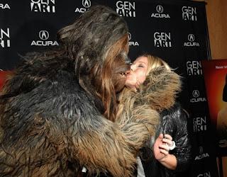wookie, kristen bell, chewbacca, kiss, veronica mars