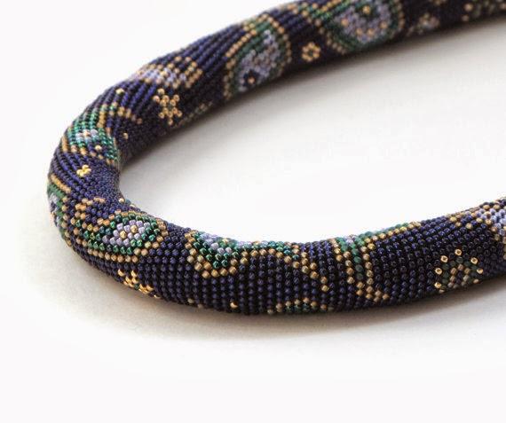Modern Handmade Jewelry Bead Crochet Necklace With Paisley Design