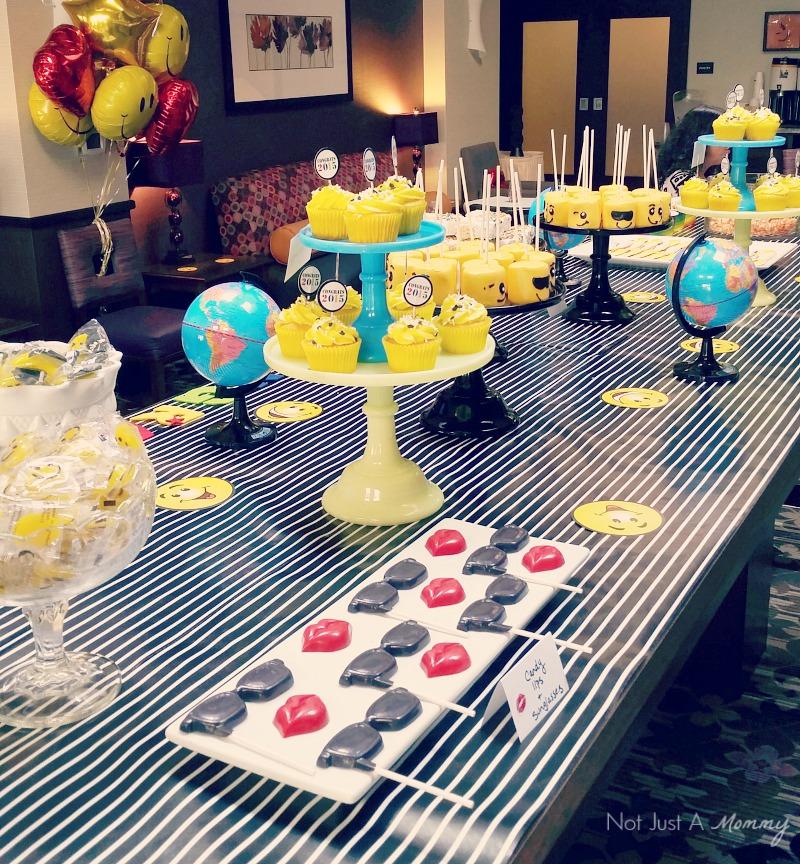 Emoji Graduation Party dessert table