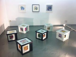 Cubos hechos con cuadros de Leonor Berlanga