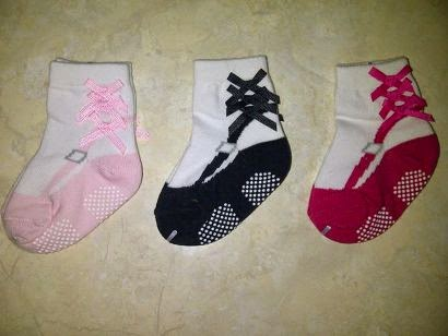 children's socks embroidered ribbon motif