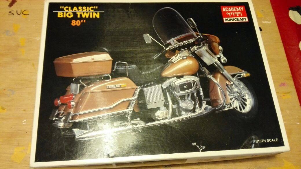 Harley Davidson Big Twin 80' - Academy 1/10 IMG-20150512-WA0003