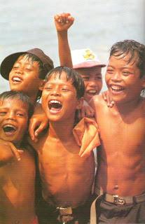 http://2.bp.blogspot.com/-95ERf-N_3OY/Te-4bYumT_I/AAAAAAAAAhU/RGOCn2efLEk/s1600/dc9ef__1_Senyum_Anak_Indonesia.jpg.jpg