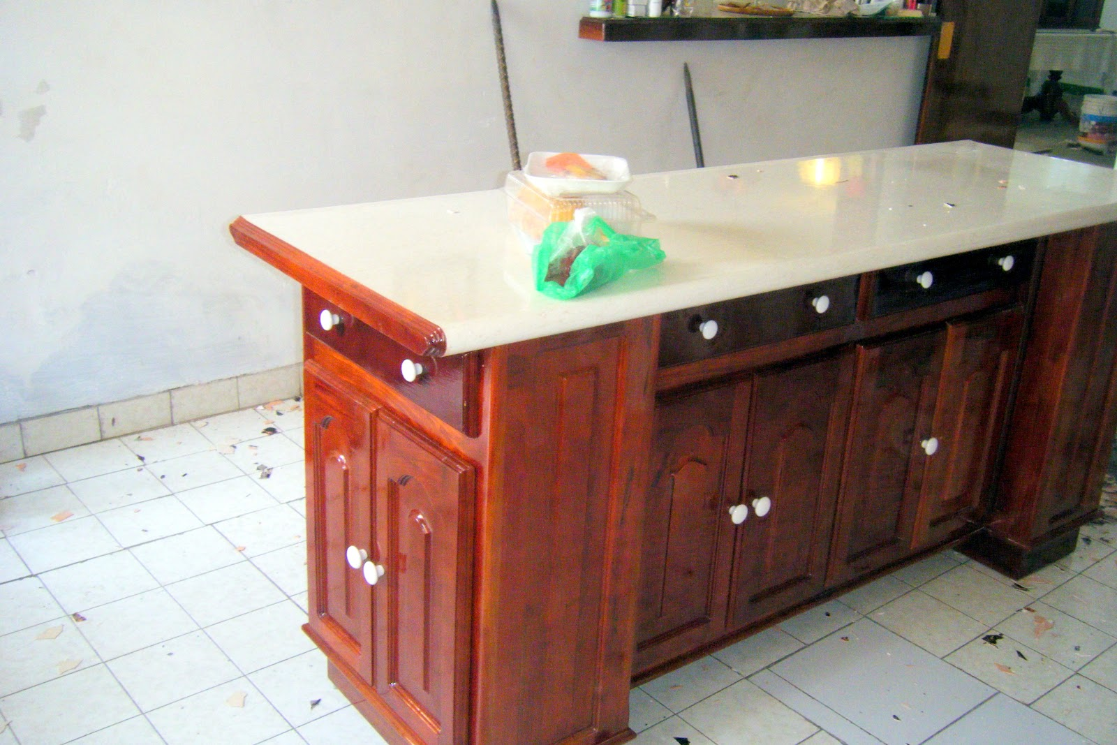 Puntos basicos carpinteria barra para desayunador con for Formica madera
