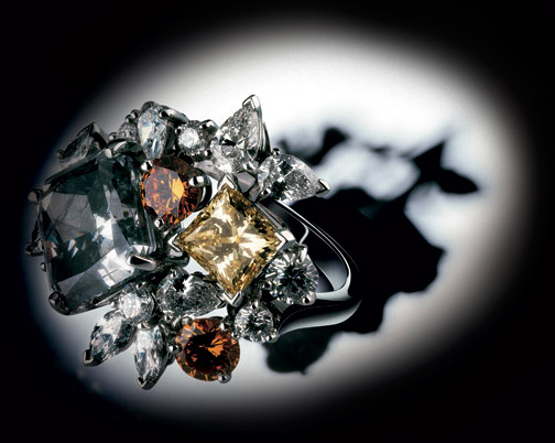 the history and present of the debeers diamond cartel De beers and beyond: the history of the international diamond cartel∗ diamonds are forever a gemstone is the ultimate luxury product it has no material use.