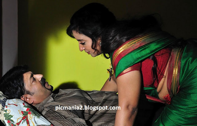 Sona Nair  hot bed room seducing photo