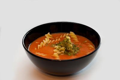 Pomidorowa z lubczykiem