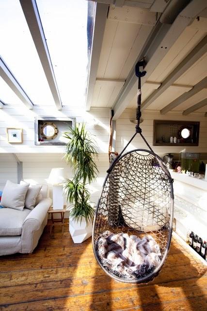 home garden 35 fauteuils suspendus en rotin. Black Bedroom Furniture Sets. Home Design Ideas