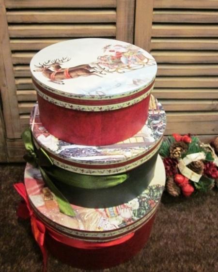 Cajas redondas lazo motivos navideños