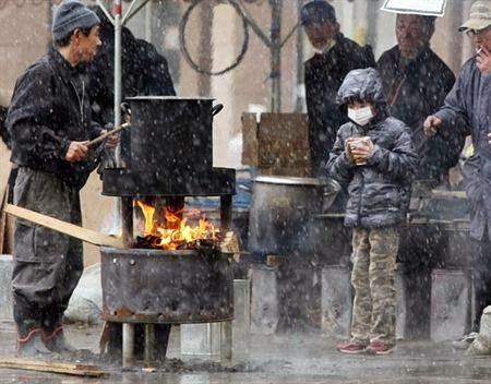 Cách ứng xử tuyệt vời trong cơn hoạn nạn ở Nhật của một cậu bé mới 9 tuổi.