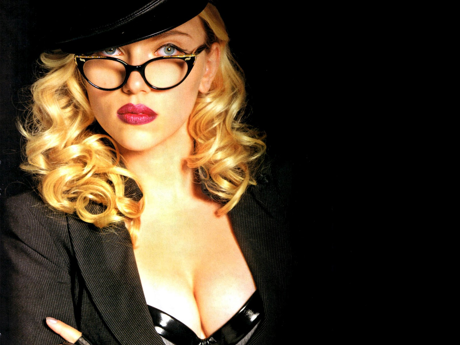 Scarlett Johansson Wallpaper