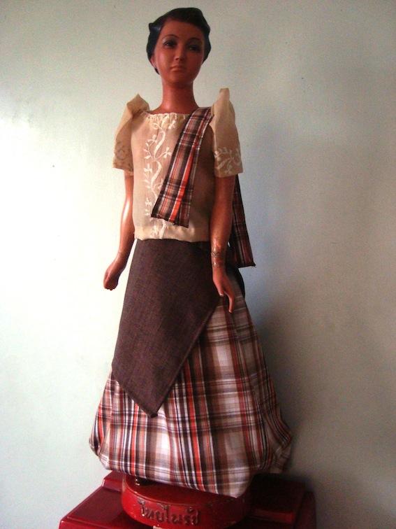 Filipiniana Costumes For Men in a Filipiniana Costume