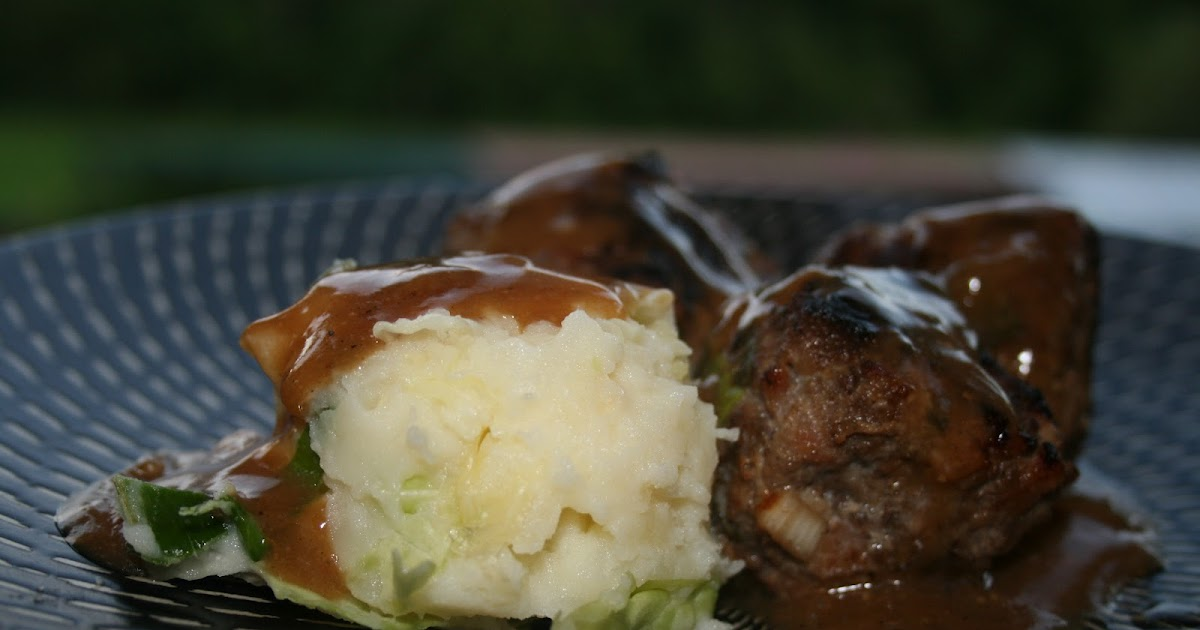... On A Shoestring: BEEF AND BACON RISSOLES WITH GRAVY AND CABBAGE MASH