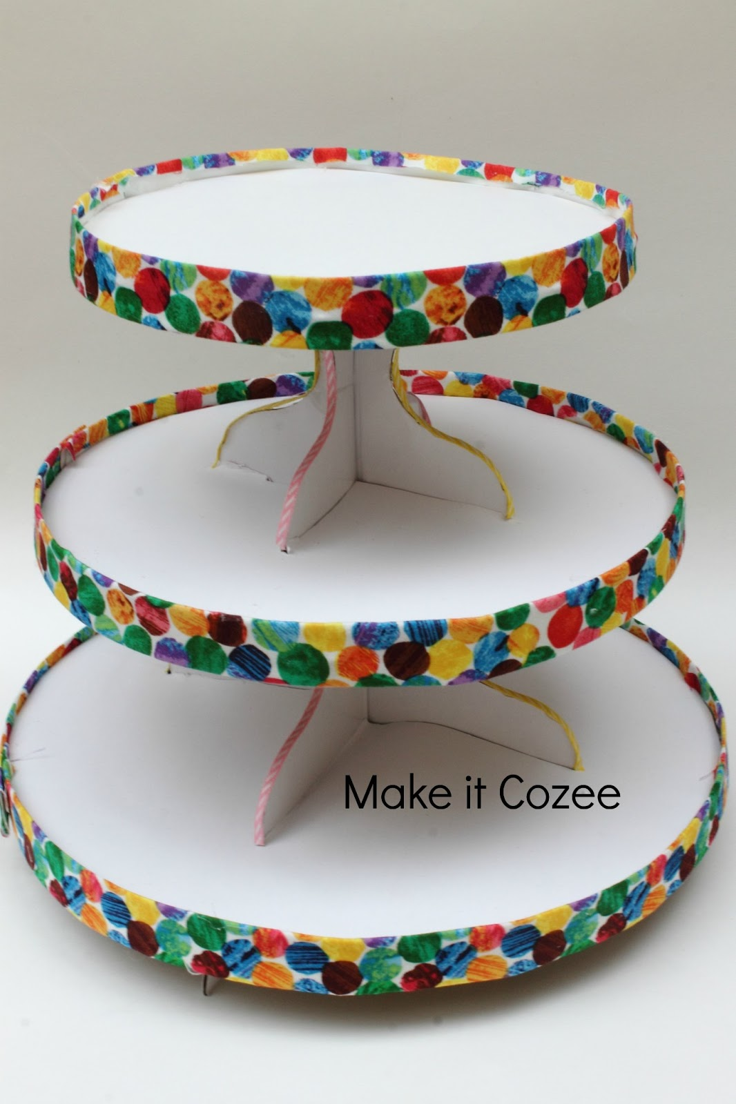 make it cozee diy very hungry caterpillar cupcake stand. Black Bedroom Furniture Sets. Home Design Ideas