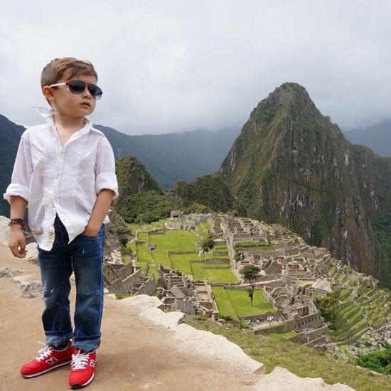 ألونسو ماتيو - الطفل ذو الخمس سنوات الذي اصبح اشهر عارض ازياء Alonso-Mateo6-550x55