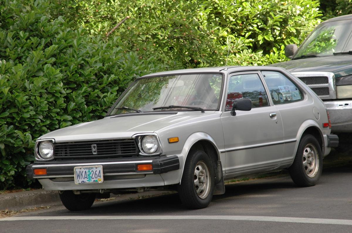 OLD PARKED CARS.: 1981 Honda Civic 1500 DX.