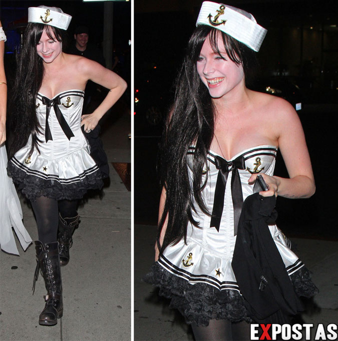 Avril Lavigne: Boa Steakhouse Halloween Party em Beverly Hills - 31 de Outubro de 2012