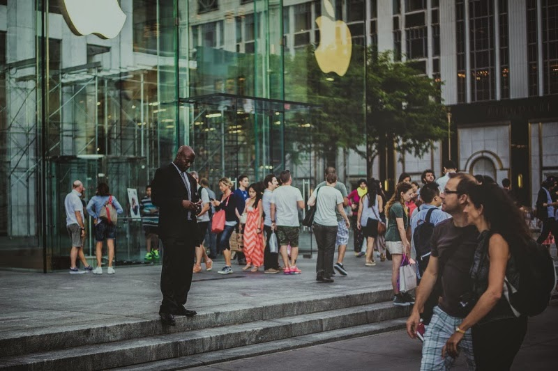 Нью-Йорк, главный Apple Store