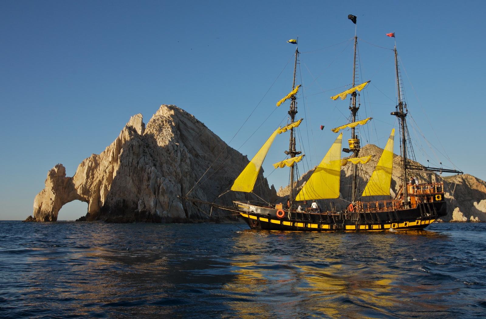 Resultado de imagen para avistamiento de ballenas en los cabos buccaneer queen