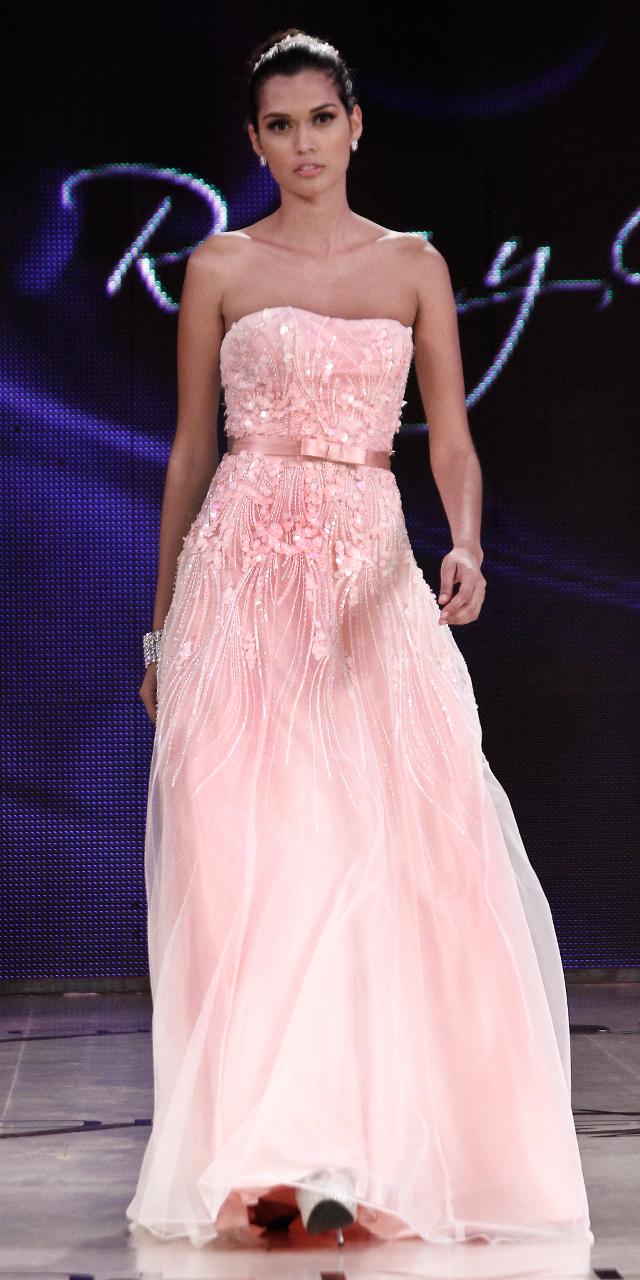 BoliviansStyle.com.bo: ROSA Y GRIS Gala - Bolivia Moda 2013