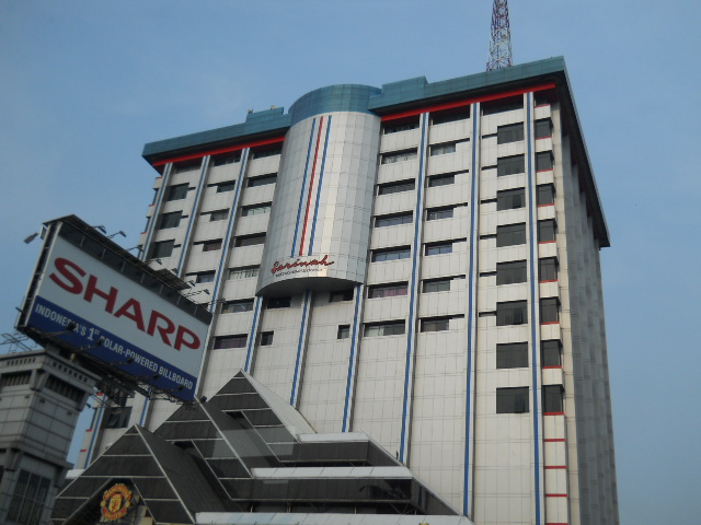 This is the first department store to open in Jakarta way back in 1967 ...