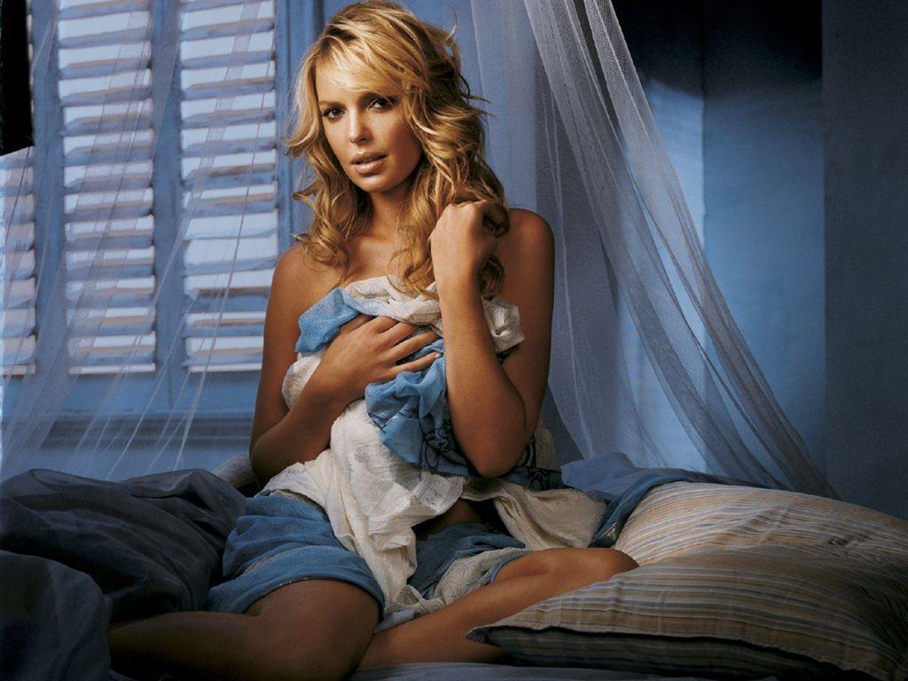 http://2.bp.blogspot.com/-983FKHqpDNs/UKZCw5pP0zI/AAAAAAAAHKM/9YSephCclt8/s1600/Katherine+Heigl+-12.jpg
