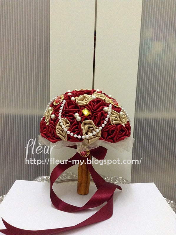 Red and Gold Amore Bouquet by Fleur