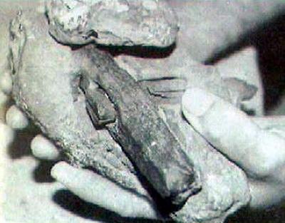 .+Out of Place+Metal+Objects 10 Penemuan Benda Prasejarah yang Masih Jadi Misteri Sejagat Raya