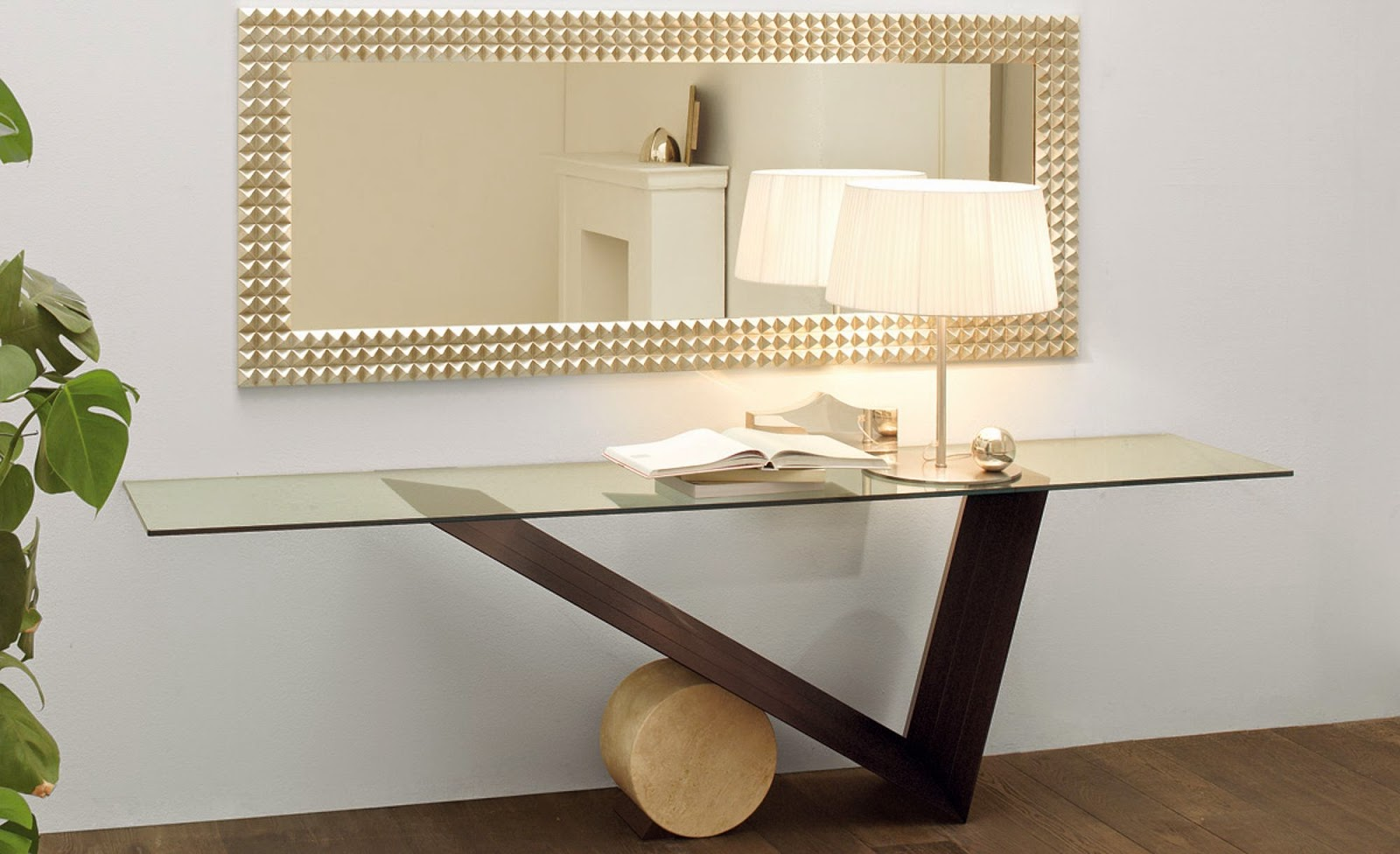 Furniture: Console Table. Model: Valentino Produced By Cattelan Italia  Design: Emanuele Zenere