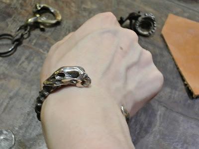 Strange Freak Designs 以魔鬼Belphegor 作為靈感製作的銀器