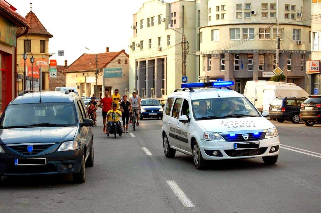 Cum am alergat 61 km alături de Vasile Stoica pe traseul Timişoara - Lugoj. Când visele devin realitate. Poliţia în acţiune