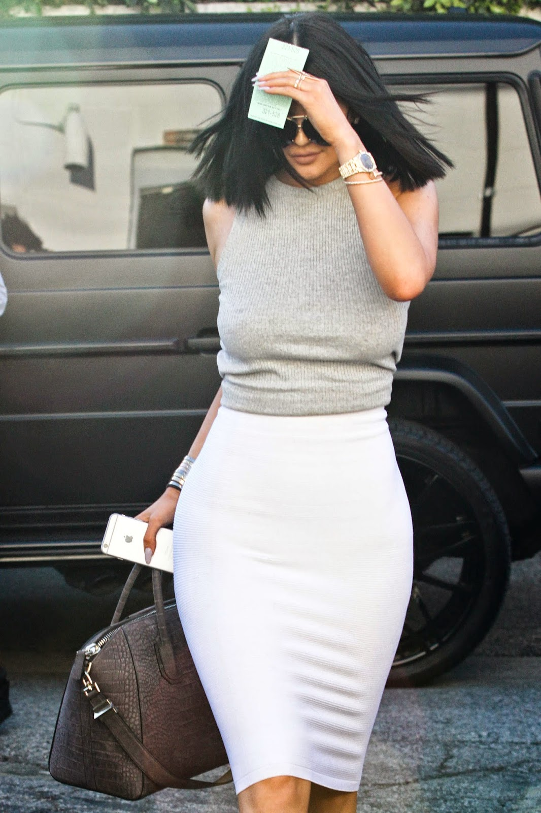 Kylie Jenner dresses up like sister Kim Kardashian in LA