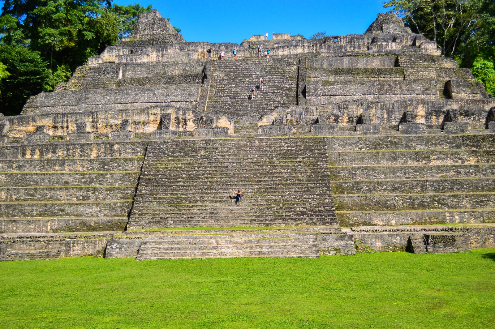 temple caracol belize