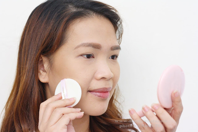 A photo of nikki using Etude House Precious Mineral BB Compact Bright Fix