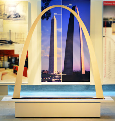 Eero Saarinen at MODA | Gateway Arch in St. Louis (model)