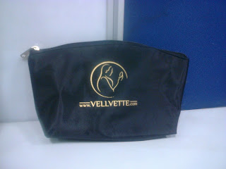 Vellvette Box August | Black Bag