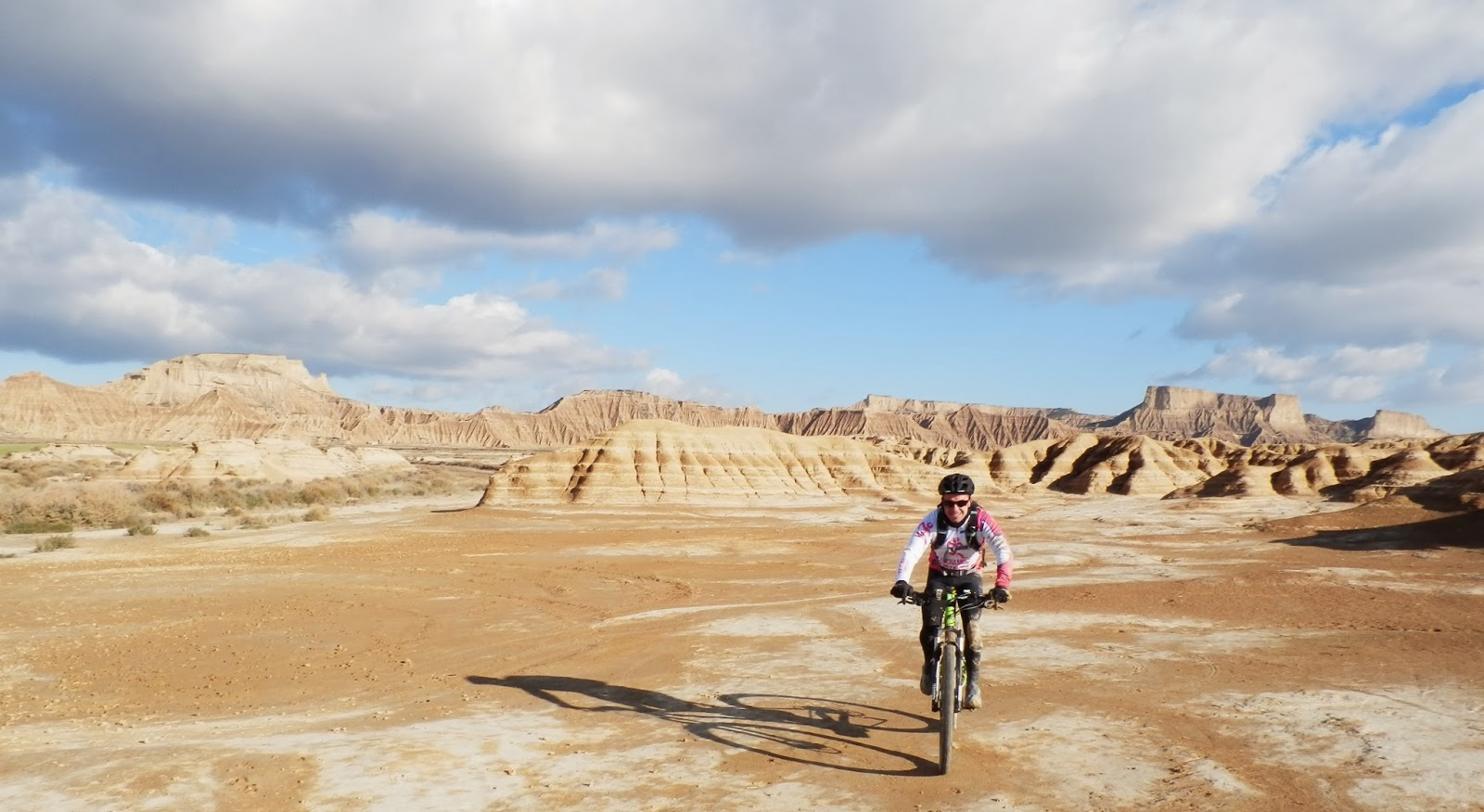 ruta-MTB-Bardenas-Reales-Navarra-desierto