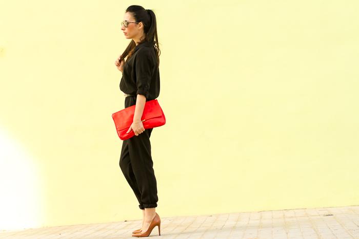 Blogger de moda de Valencia con mono largo tendencia temporada