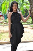 Mishti Chakraborthy latest sizzling pics-thumbnail-15