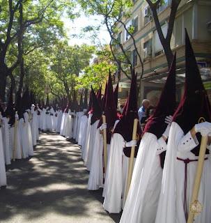 Agrupación Parroquial del Cerro del Águila (Sevilla). Nazarenos+de+El+Cerro.+Salvador+Garc%C3%ADa+Narv%C3%A1ez