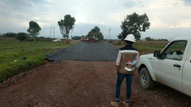 Civiles con chalecos de la Sedena vigilan obras de construcción del NAICM en Atenco