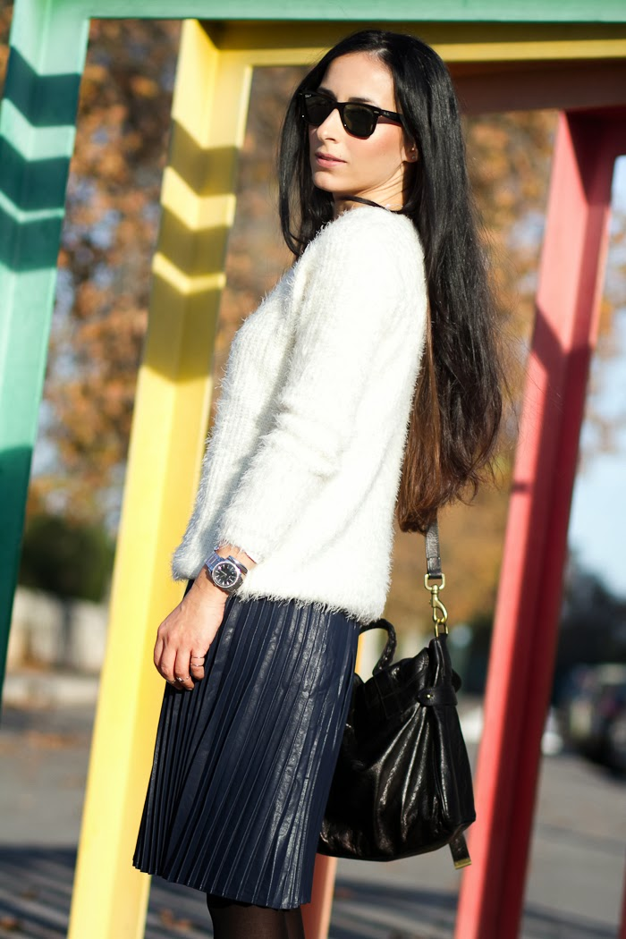 Look with Polarized Ray Ban Wayfarer, Pleated Midi Skirt and Fluffy Sweater