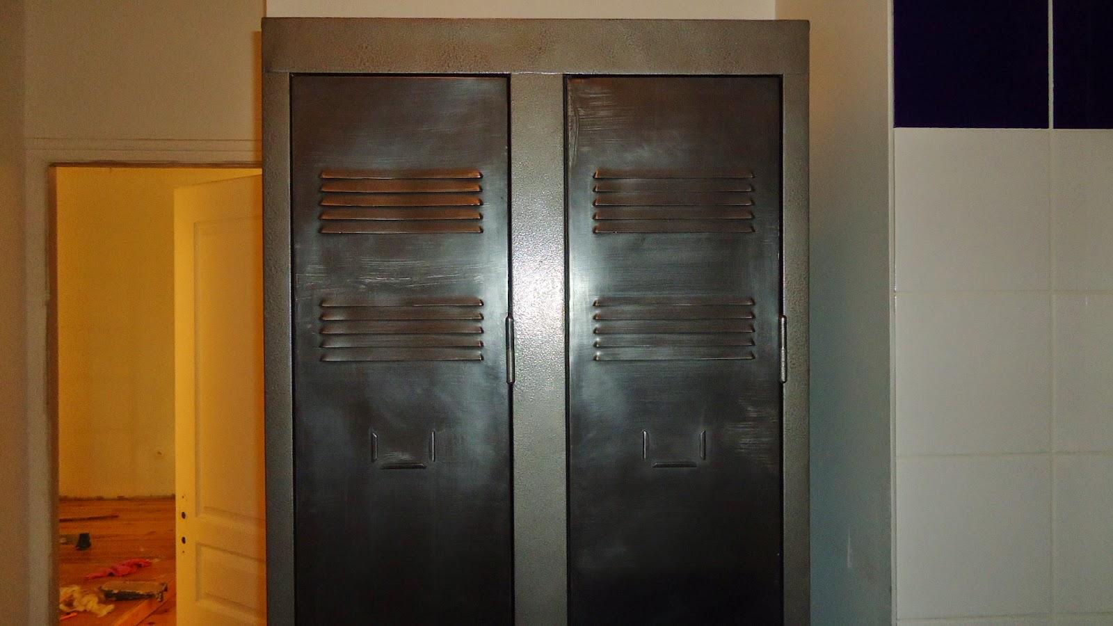 travaux de r novation de notre appartement glyc ro couleur sur les portes et montures. Black Bedroom Furniture Sets. Home Design Ideas