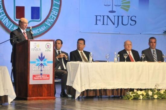 """Hipólito llama """"pelafustanes"""" a miembros de la Suprema Corte de Justicia"""