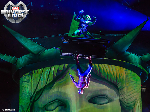 Spider-man and The Green Goblin in @MARVELonTour at @TheQArena in CLE