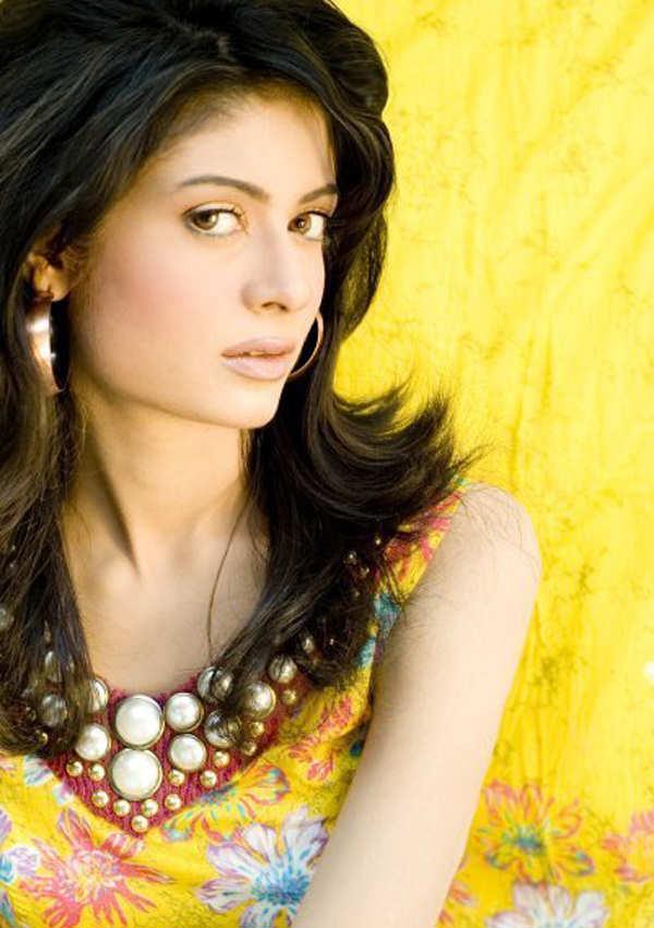 pakistani new young female models pakistani new young female models