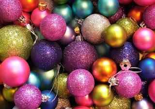 arcoiris en bolas de navidad